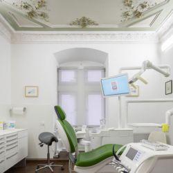 zahnarzt-nuernberg-behandlung-01